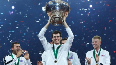 Jamie Murray and Davis Cup trophy in Dunblane