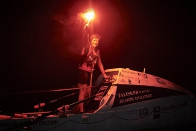 Dunblane rower Elaine has arrived in Antigua - she has rowed Atlantic!